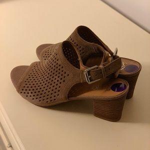 Short Heel Sandal